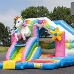 chateau gonflable licorne